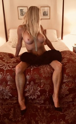 Lomane independent escort in South Hill