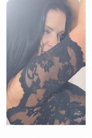 Ivona milf call girl, meet for sex