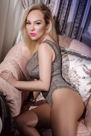Ilona call girls in Somerset New Jersey & sex club